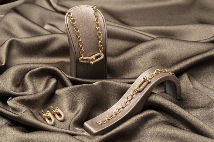 bursa urun cekimi mucevher4 705x470 - Ürün Fotoğrafçılığı