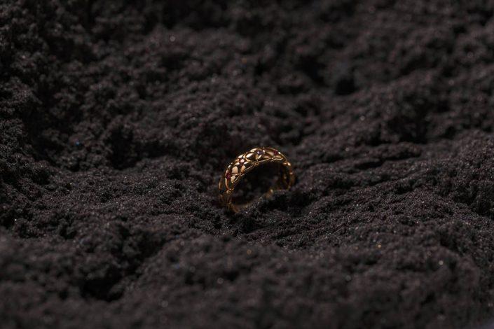 bursa urun cekimi mucevher8 705x470 - Ürün Fotoğrafçılığı